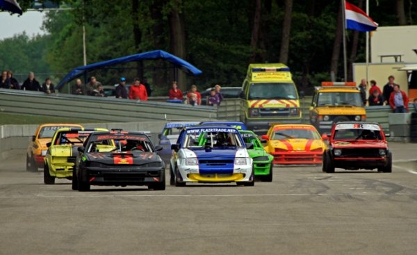 2e serie wedstrijden van het Ovalracing seizoen 2012, meetellend voor het Internationale NK & NNO Clubkampioenschap Ovalracing. Daarnaast werd in de Superklasse gestreden om de 'Teuben Transport' Race of Champions Trophy en de 'Gerry Meijerhof Memorial' Trophy.